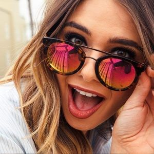 Diff tortoise shell and pink mirror sunglasses